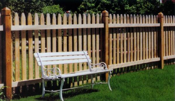 wood picket fence, picket fence installation, picket fences milwaukee