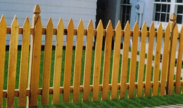 Metropolitan Fence Custom Installs Spaced Wood Western Picket Fences in Milwaukee and Waukesha Wisconsin